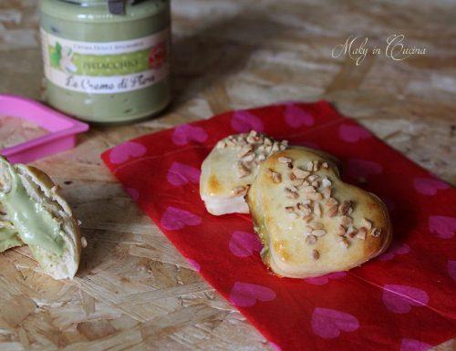 Cuori morbidi ripieni al pistacchio
