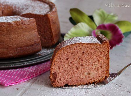 Chiffon cake con fragole frullate