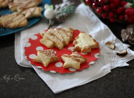 Biscotti natalizi nocciola e caramello