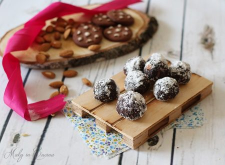 Tartufini Pan di Stelle con mandorle e Nutella