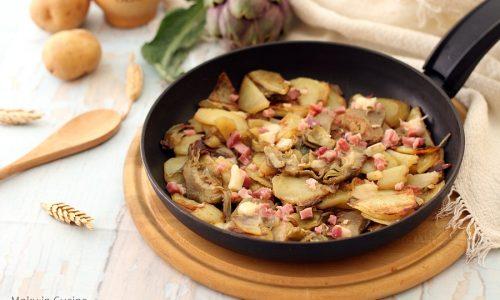 Patate e carciofi in padella filanti con pancetta