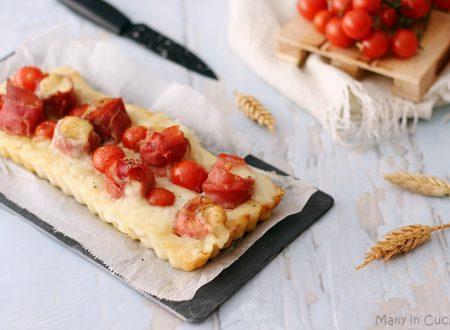 Crostata pizza con involtini di provola e prosciutto