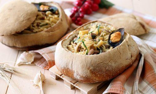 Pagnotta ripiena di pasta fagioli e cozze