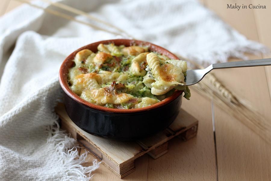 Gnocchi con crema di broccoli