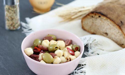 Olive con provoline condite