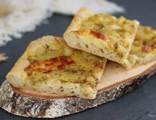 Focaccia soffice con patate e rosmarino