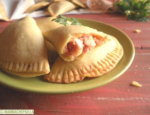 Ricetta dei panzerotti spagnoli – empanadillas – con il tonno