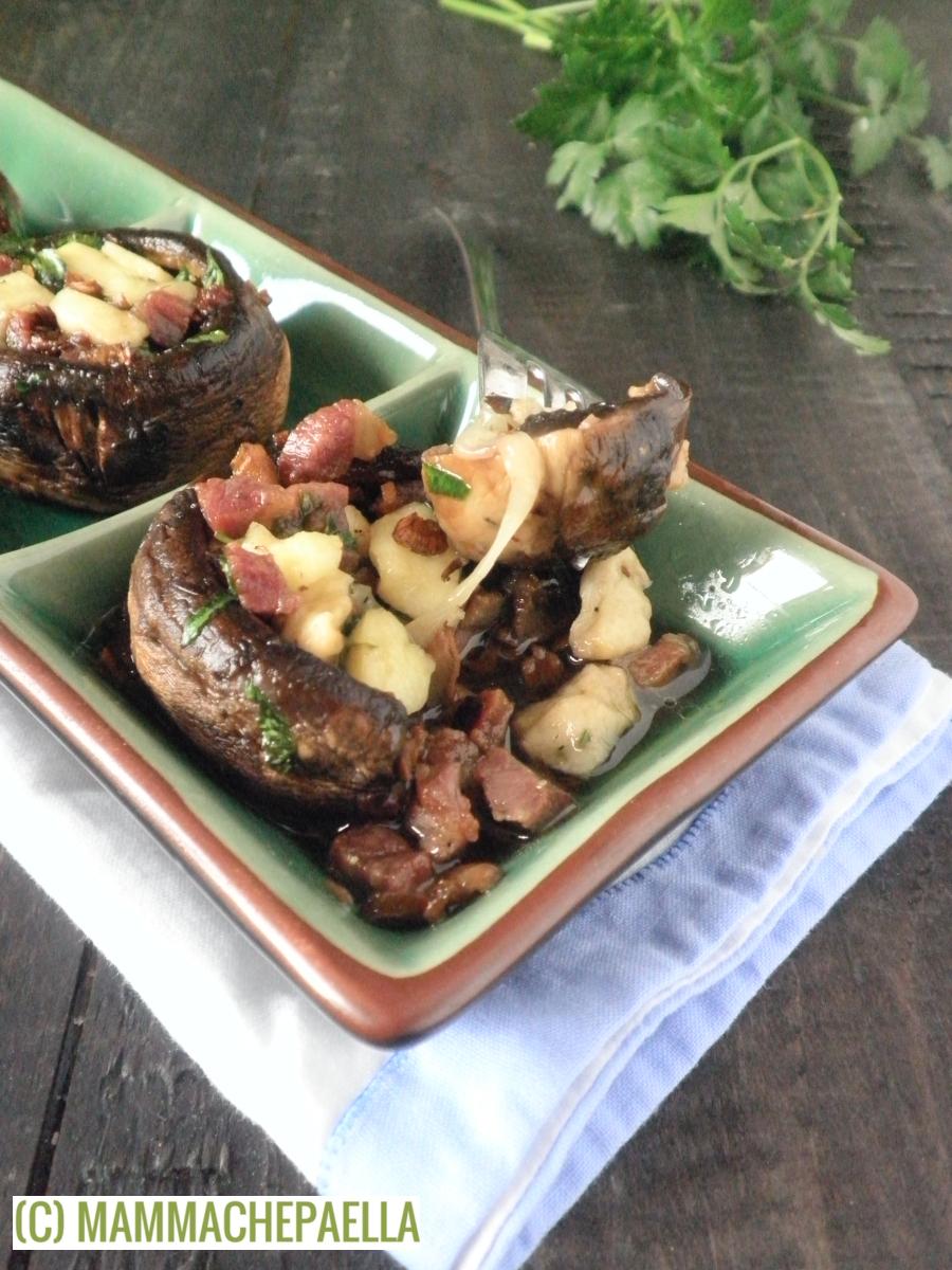 Champignon ripieni al forno con prosciutto crudo