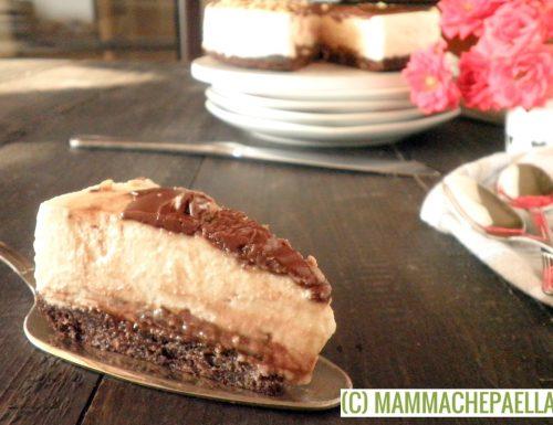 Cheesecake alla ricotta e Nutella, con base croccante alle nocciole