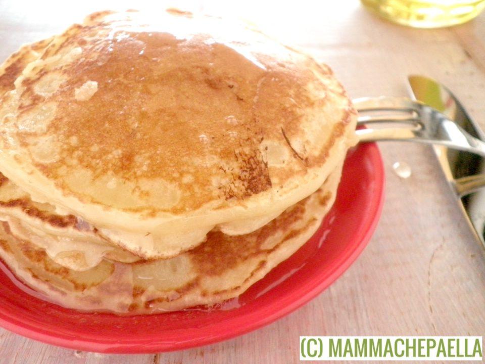 Pancake con latticello e burro fatti in casa
