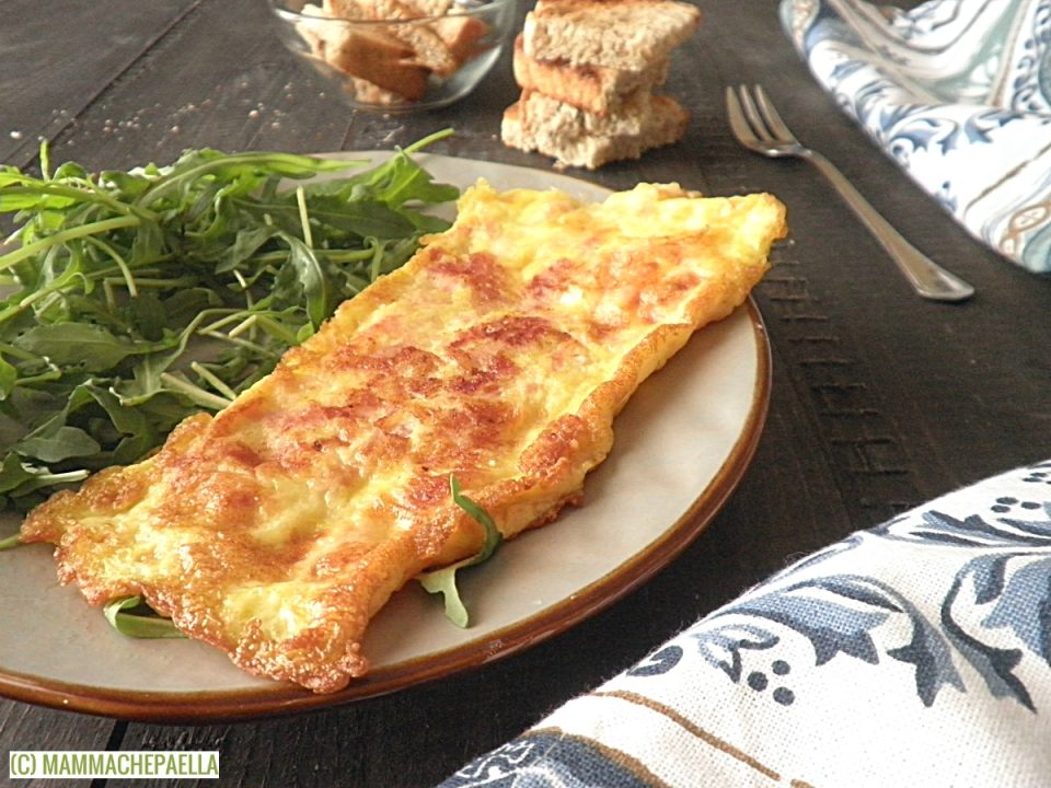 Omelette al prosciutto e provola