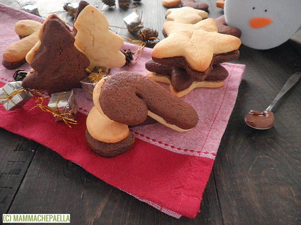 Biscotti bicolore farciti alla Nutella