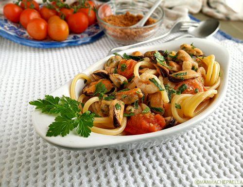 Spaghetti con cozze e gamberetti surgelati