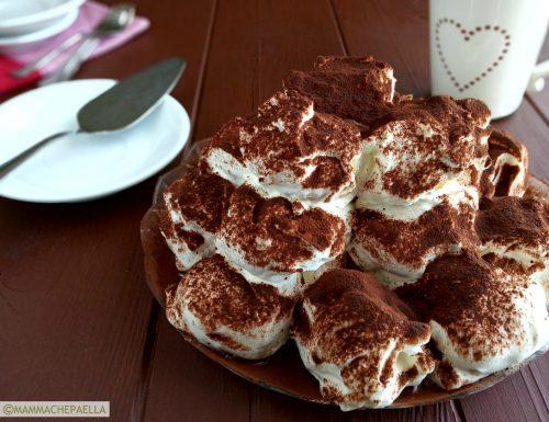 Bignè con crema e panna, ricetta di un dessert speciale