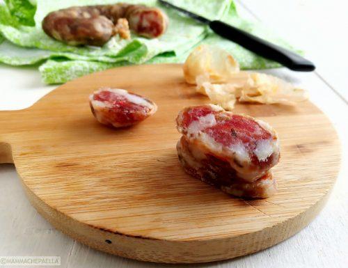 Salsiccia secca fatta in casa, partendo da quella fresca