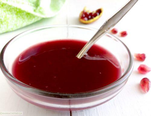 Salsa alla melagrana e vino rosso, perfetta sui formaggi, carni e verdure