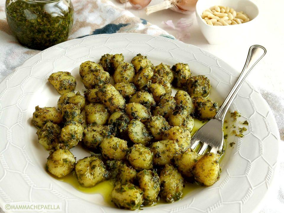 Gnocchi di patate al pesto di basilico