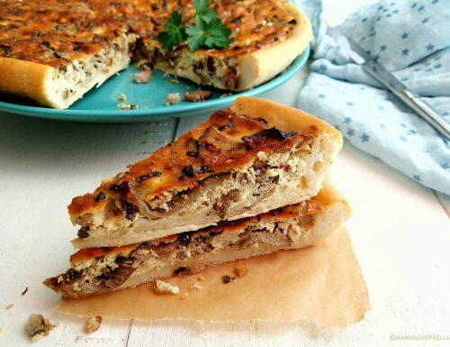Torta rustica con ricotta funghi e salsiccia