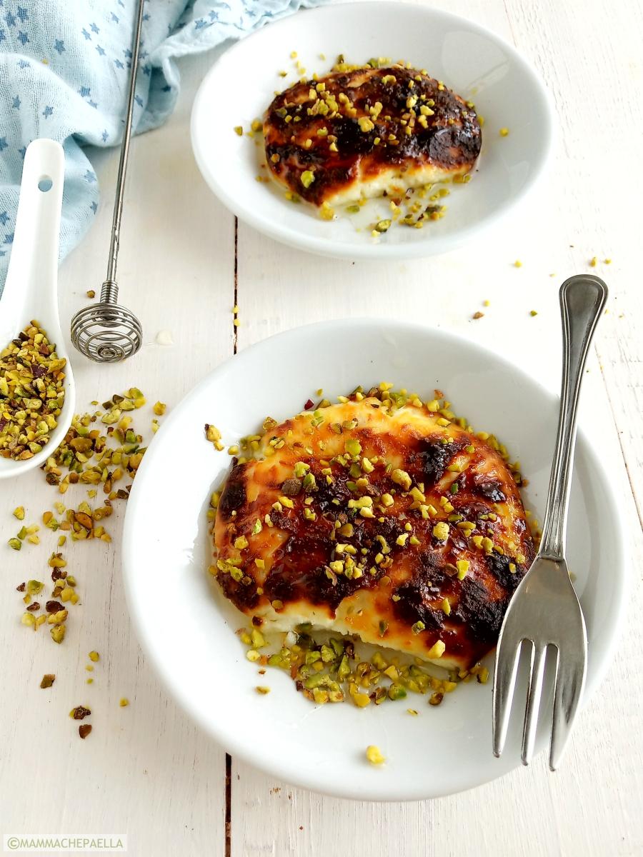 Ricotta con miele e pistacchi cotta in friggitrice ad aria