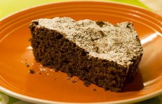 Torta allo yogurt e cioccolato fetta