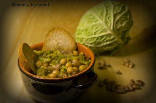Zuppa di legumi e verza