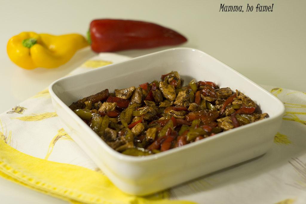 Straccetti di pollo con peperoni e aceto balsamico