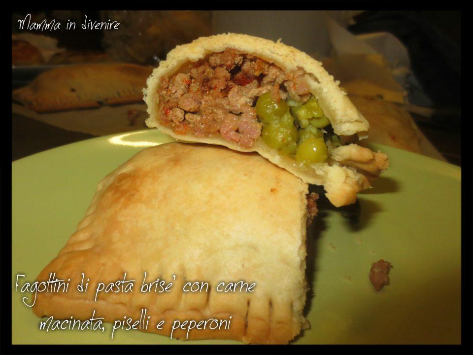 Fagottini di pasta brisé con carne macinata e  piselli