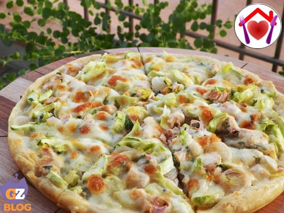 Souvent Pizza bianca con zucchine e salmone | Le ricette di mamma Lù DG18