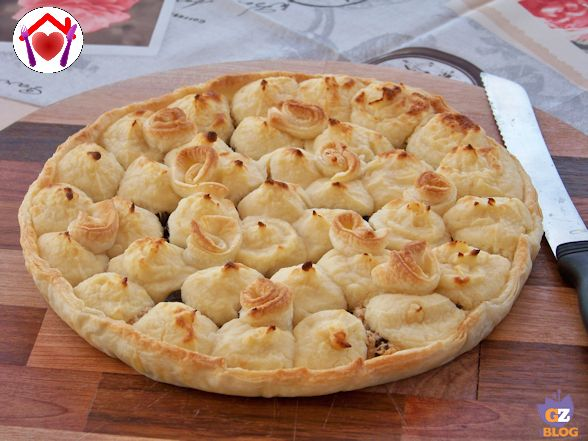 Decorazioni Torte Salate : Torta salata con tonno olive e patate le ricette di mamma lù