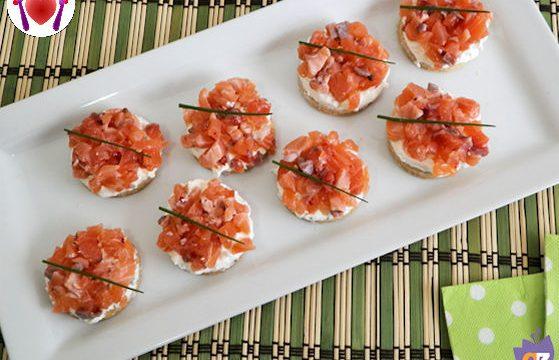 Mini cheesecake salata al salmone