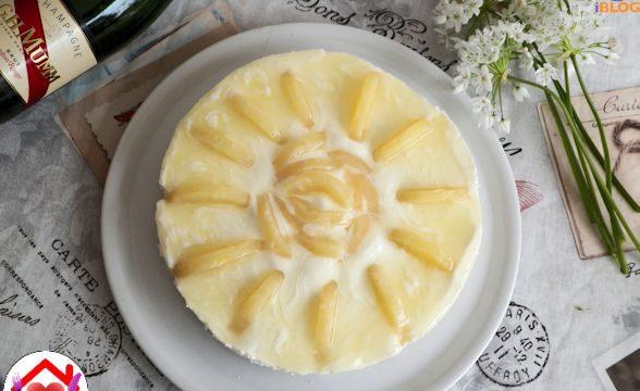 Torta allo yogurt all'ananas