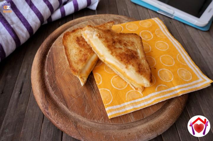 toast al formaggio