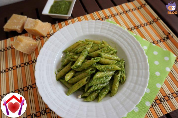 Pasta con Pesto di Rucola