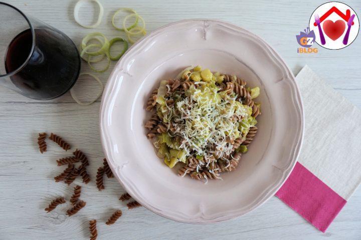 pasta di farro con aglio porro e pecorino