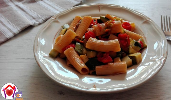 pasta veloce con zucchine e pomodorini