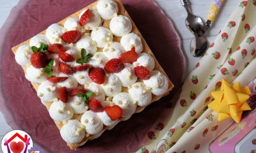 Mousse al mascarpone, fragole e cioccolato bianco