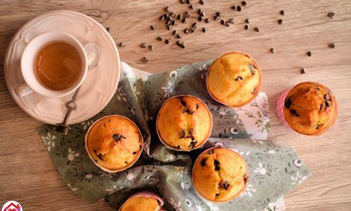 Muffin alla ricotta con gocce di cioccolato