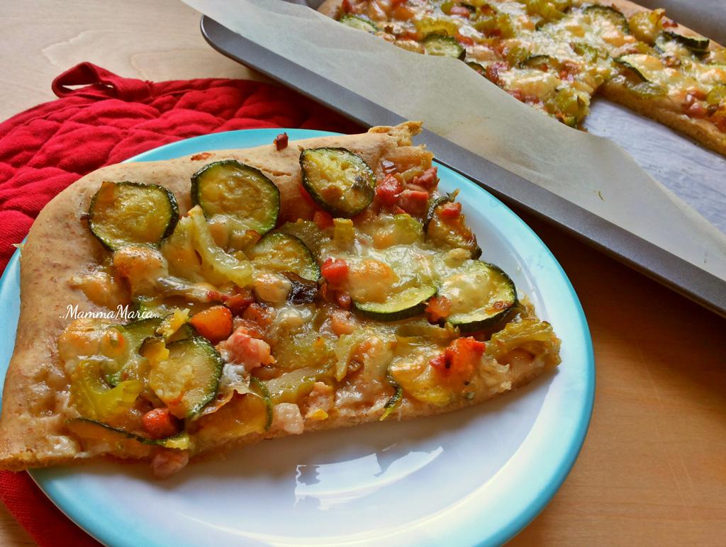 pane pizza integrale con verdure e pancetta