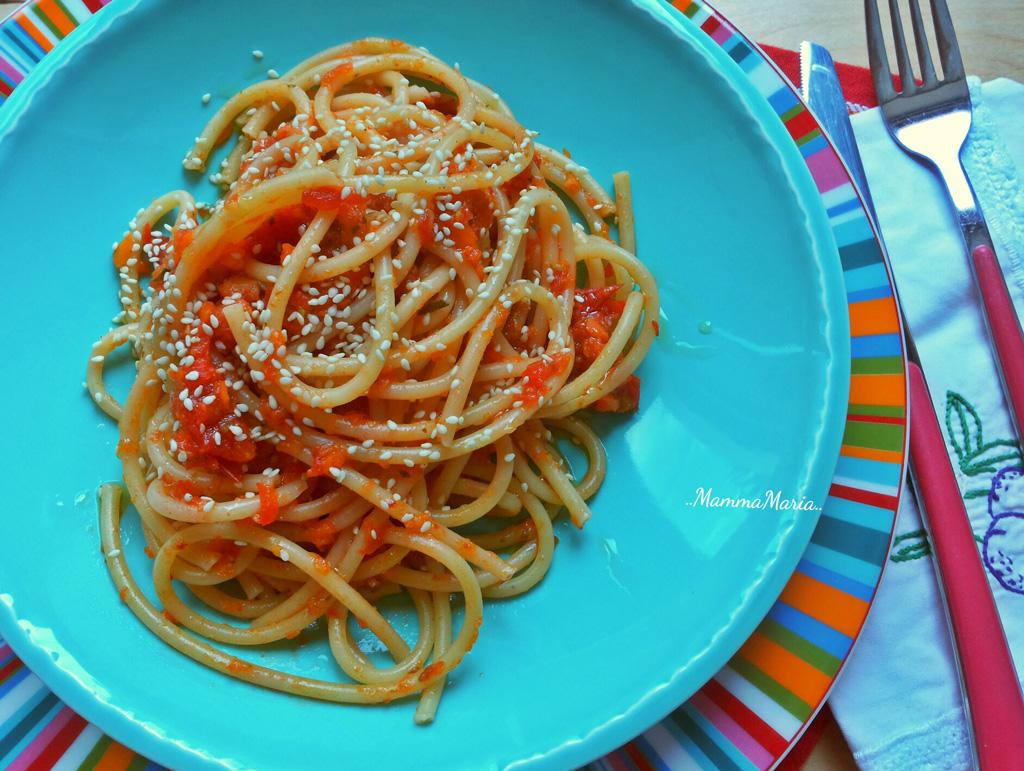 pasta con sugo pestato di verdure