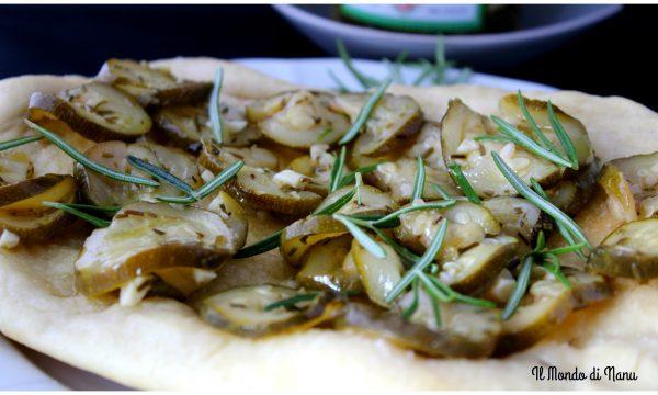 Focaccia con zucchine,aglio e rosmarino