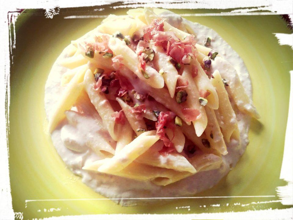 Pasta con pistacchi e mortadella