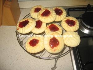 Biscotti della dispensa vuota preparati con pochissimi ingredienti SENZA GLUTINE