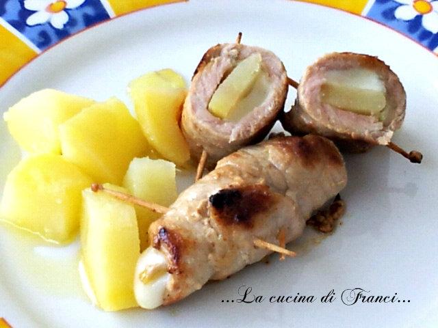 Involtini con scamorza ,patate e cipolla pastorizzata