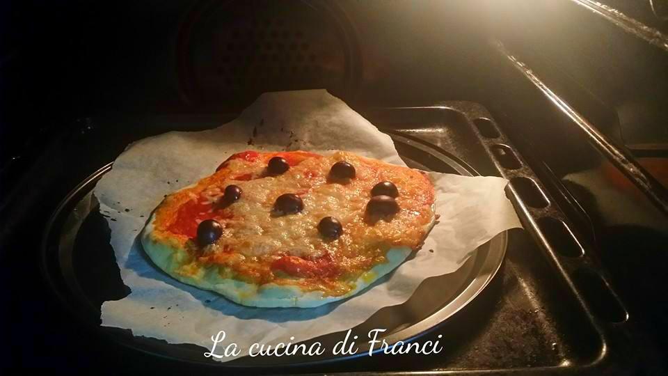 Pizza veloce senza glutine senza lievito 3