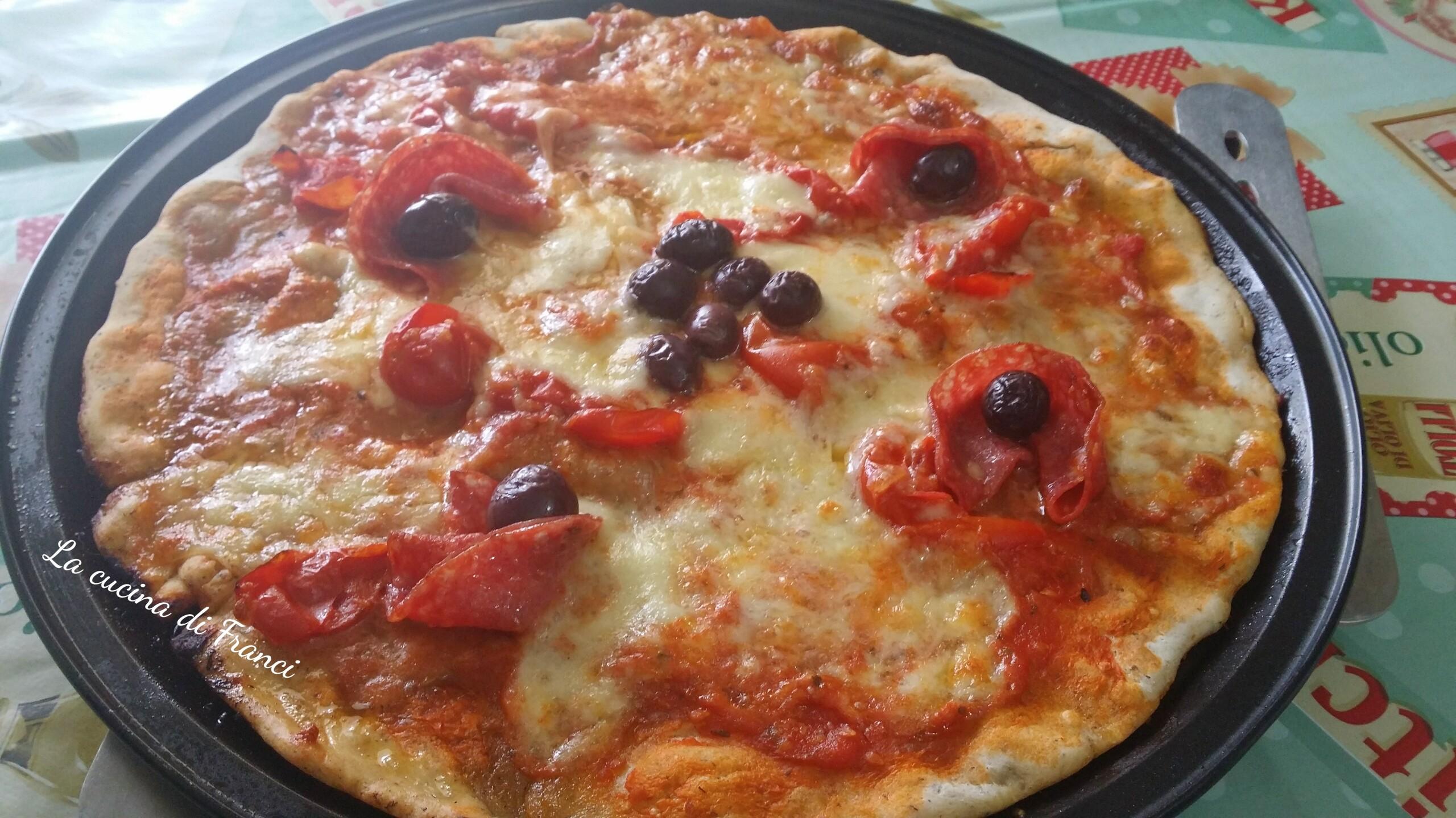 Pizza senza lievito con grano saraceno