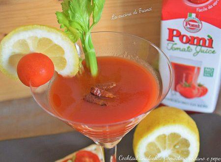 Cocktail analcolico pomodoro sedano e peperoncino