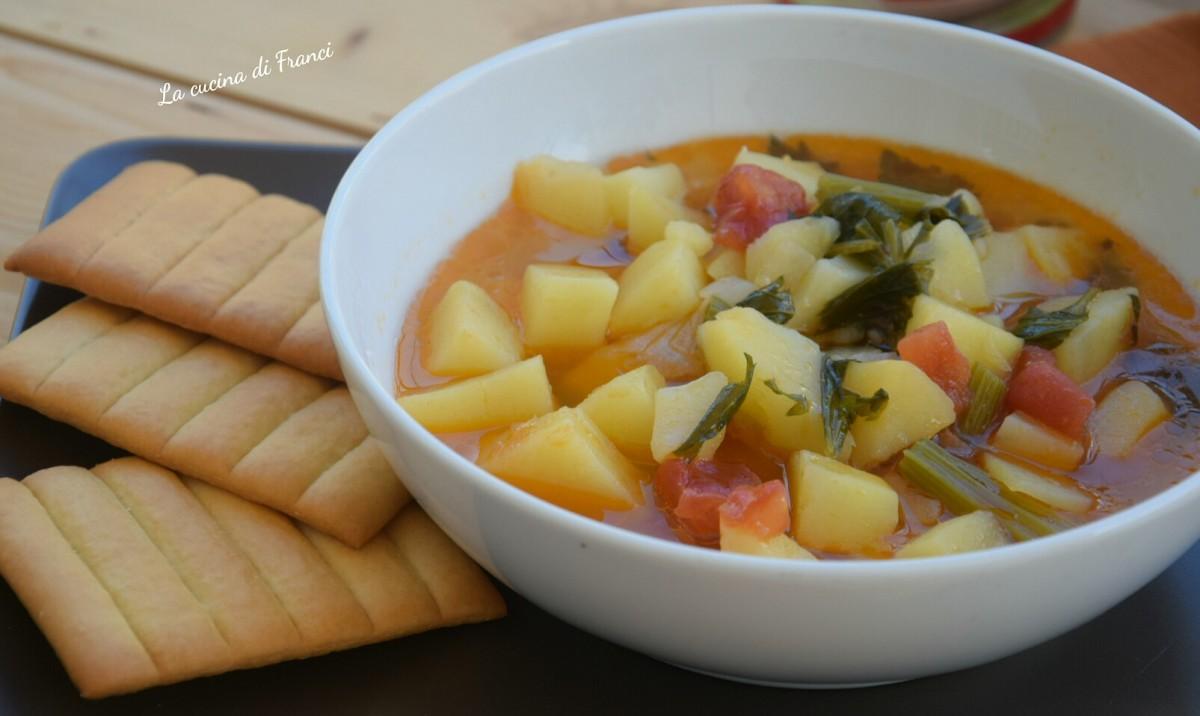 Zuppa di patate sedano e pomodoro 3