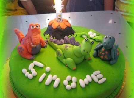 Torta dinosauri per i 5 anni di Simone