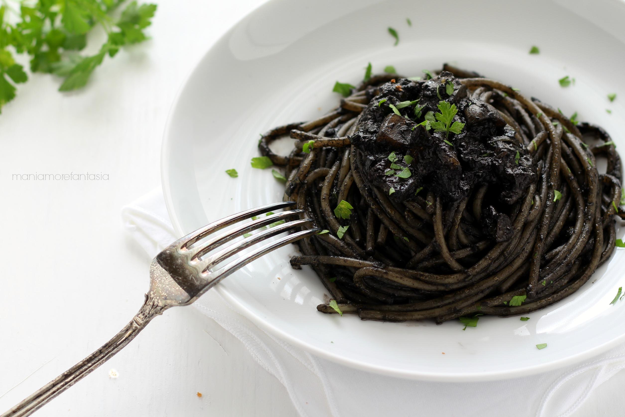 pasta nero seppia alla siciliana