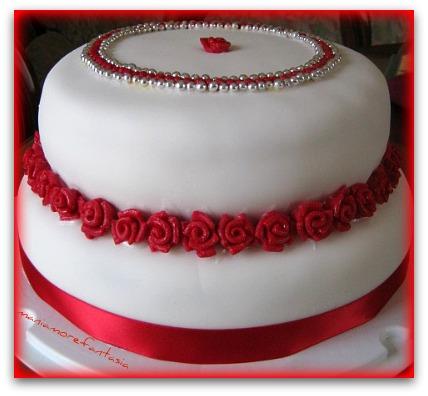 Torta compleanno o fidanzamento for Torte di compleanno a due piani semplici